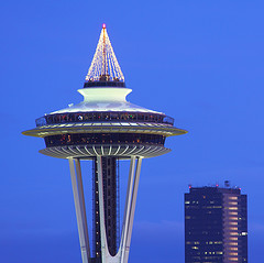 /copyrighteous/images/space_needle_christmas-small.jpg